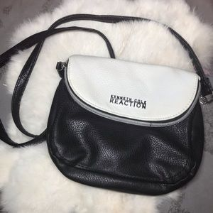 Kenneth Cole Crossbody bag